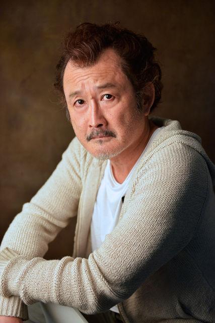 2016年元旦 4度目の結婚!俳優・吉田鋼太郎の妻に逃げられた過去。のサムネイル画像