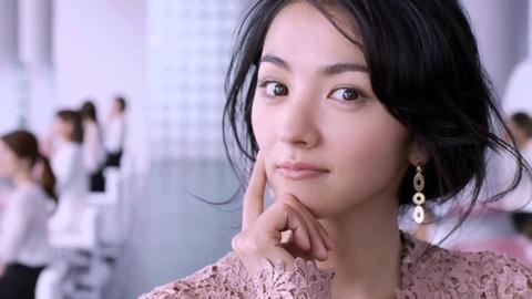 ショートヘアでも色っぽい!満島ひかりの美人すぎる髪型まとめのサムネイル画像