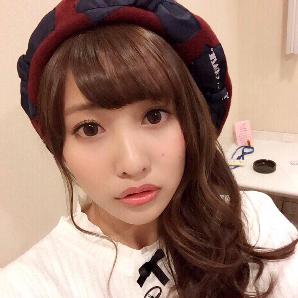 【ファン必見!】佐野ひなこの魅力溢れるFカップセクシー水着姿まとめ!のサムネイル画像