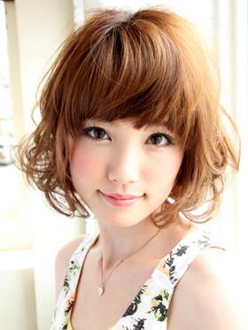 おしゃれな髪型の画像!女性の可愛い髪型を参考にしましょうのサムネイル画像