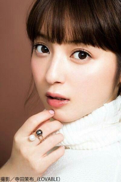 美しすぎる!佐々木希の目は整形?目の大きさと二重が不自然!?のサムネイル画像