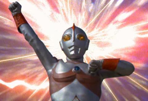教師をしながら地球を守るウルトラマン!ウルトラマン80の全て!のサムネイル画像