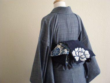 最近の着物はデニムがトレンド!粋でおしゃれな和装スタイルを愉しむのサムネイル画像