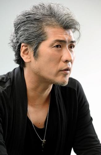 【画像アリ】吉川晃司さんの白髪に学ぶ!大人のダンディズムとは!?のサムネイル画像