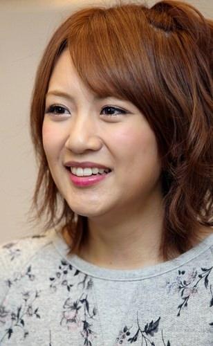 AKB48総監督の高橋みなみさんの身長の低さは彼女の武器です!!のサムネイル画像