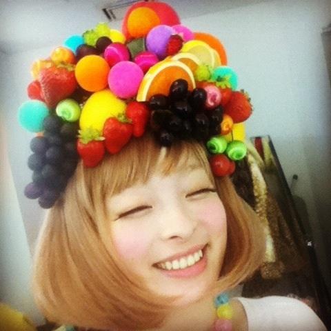 女子必見!ユニークでお洒落過ぎるきゃりーぱみゅぱみゅの髪型まとめのサムネイル画像