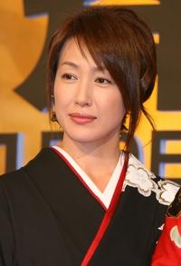 美人女優高島礼子が食器をプロデュース!どんな食器か見てみたい!のサムネイル画像