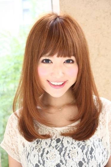 ストレートヘアで可愛く!デートや女子会に行こう!髪型で決まる!のサムネイル画像