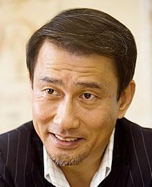 実力派俳優として知られる中井貴一、実は父も人気俳優だった!のサムネイル画像