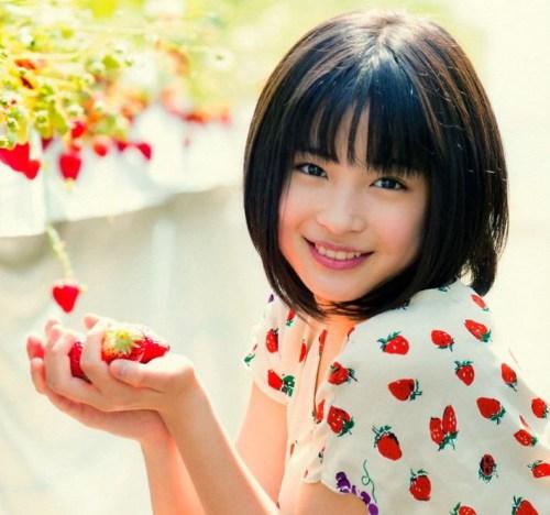 大人気の女優・広瀬すず!年齢は驚きの20歳。その魅力に迫る!のサムネイル画像