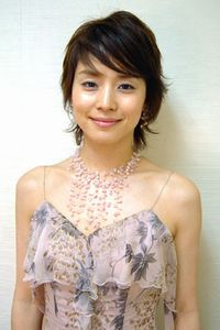 【美魔女】年齢を重ねても美しい!石田ゆり子のセクシー水着まとめのサムネイル画像