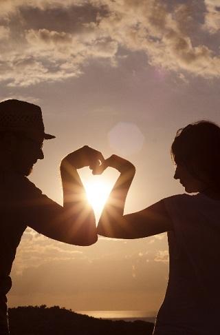 【遠距離恋愛】それでもラブラブな状態を、長く保てるコツとは?のサムネイル画像