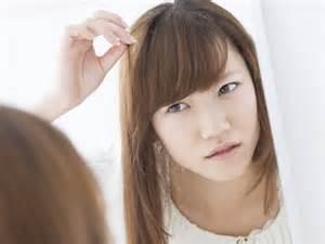 季節ごとにまとめてみた!パサパサ髪の毛の原因と対策についてのサムネイル画像