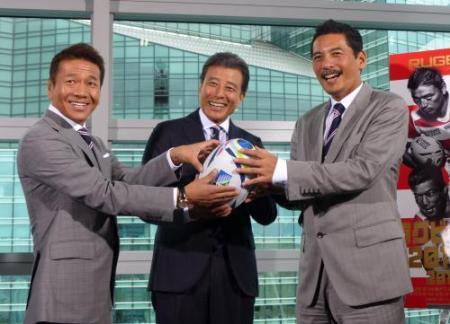 日本中が熱狂!2015年ラグビーW杯応援団長が舘ひろしって知ってた?のサムネイル画像