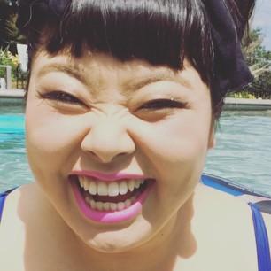 まるでトド?!渡辺直美・最新水着ショットが超話題!はち切れすぎ!のサムネイル画像