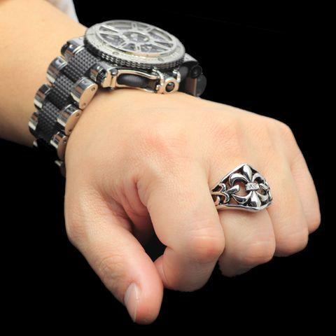 いつもはめていたい指輪のブランドは?メンズが好むアクセサリー!のサムネイル画像