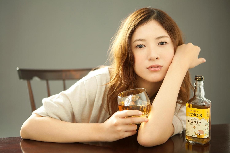 【え?ウソっ!?】吉高由里子さんの身長は意外と低かった!?のサムネイル画像