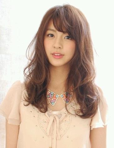グラビアアイドル・柳ゆり菜のセクシーなダンスが気になる!のサムネイル画像