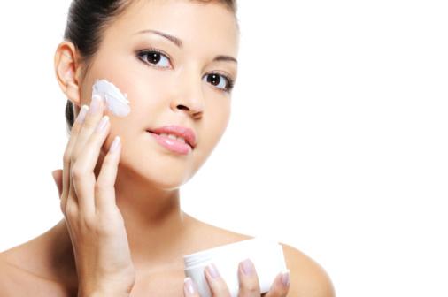 潤うモチモチの素肌を守って!クレンジングクリーム有効活用術のサムネイル画像