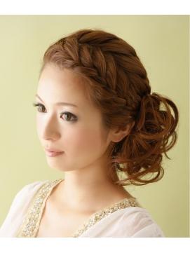 編み込みはコツを掴んじゃえば簡単に可愛いヘアアレンジ可能のサムネイル画像