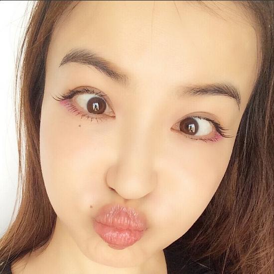 カリスマモデル平子理沙はやっぱり整形だった!?顔がひきつってる?のサムネイル画像