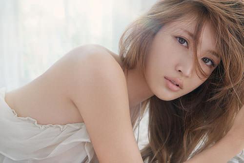 キュートな紗栄子の魅力をアップさせる髪型を集めてみました!のサムネイル画像
