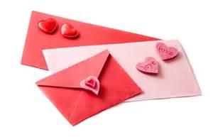 遠距離恋愛中の方も必見!彼氏に喜んでもらえる手紙のポイントのサムネイル画像