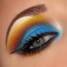 印象を変える!あなたをさらに美しく見せるアイシャドウの色とは?のサムネイル画像