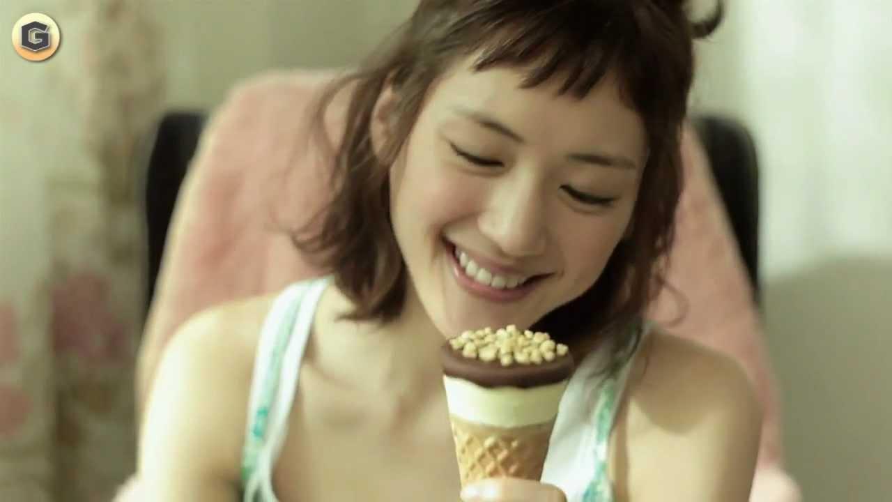 綾瀬はるかのグリコCMに癒される人続出!看板にまでなっちゃった!?のサムネイル画像