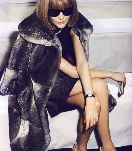 ファッション界の女帝アナ・ウィンターに学ぶ究極のコーディネート術のサムネイル画像