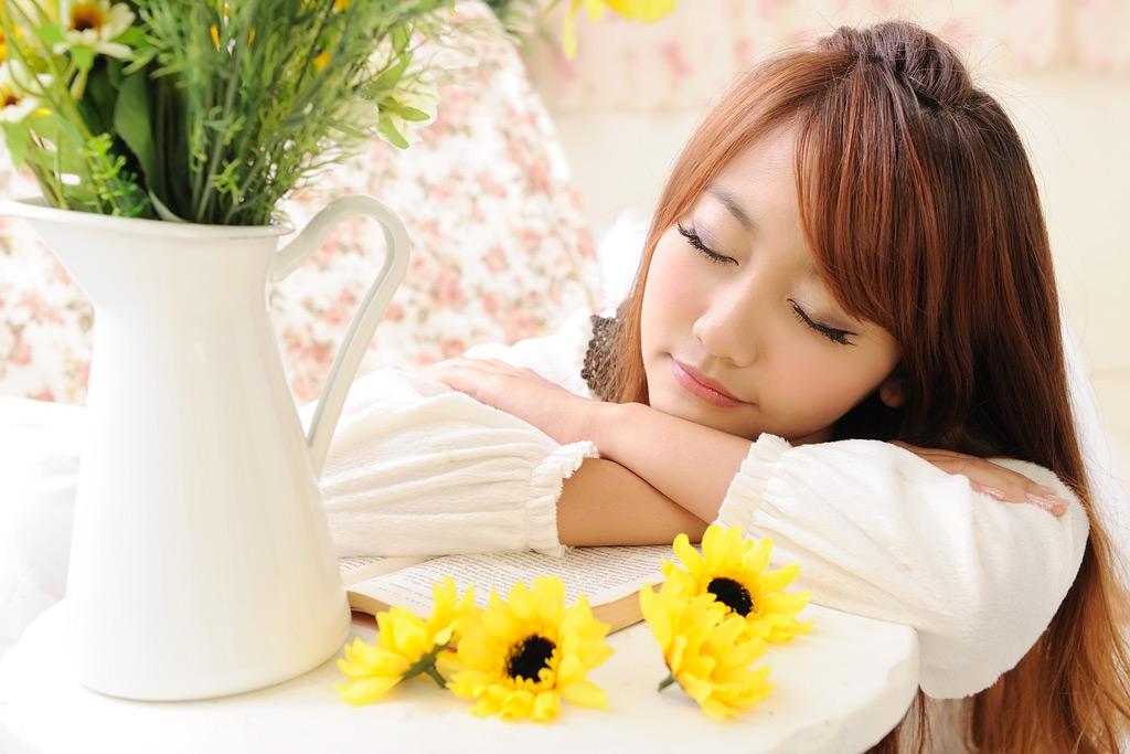 彼女の寝顔が最強、男は彼女の寝顔に弱い!!美寝顔のススメ!!のサムネイル画像
