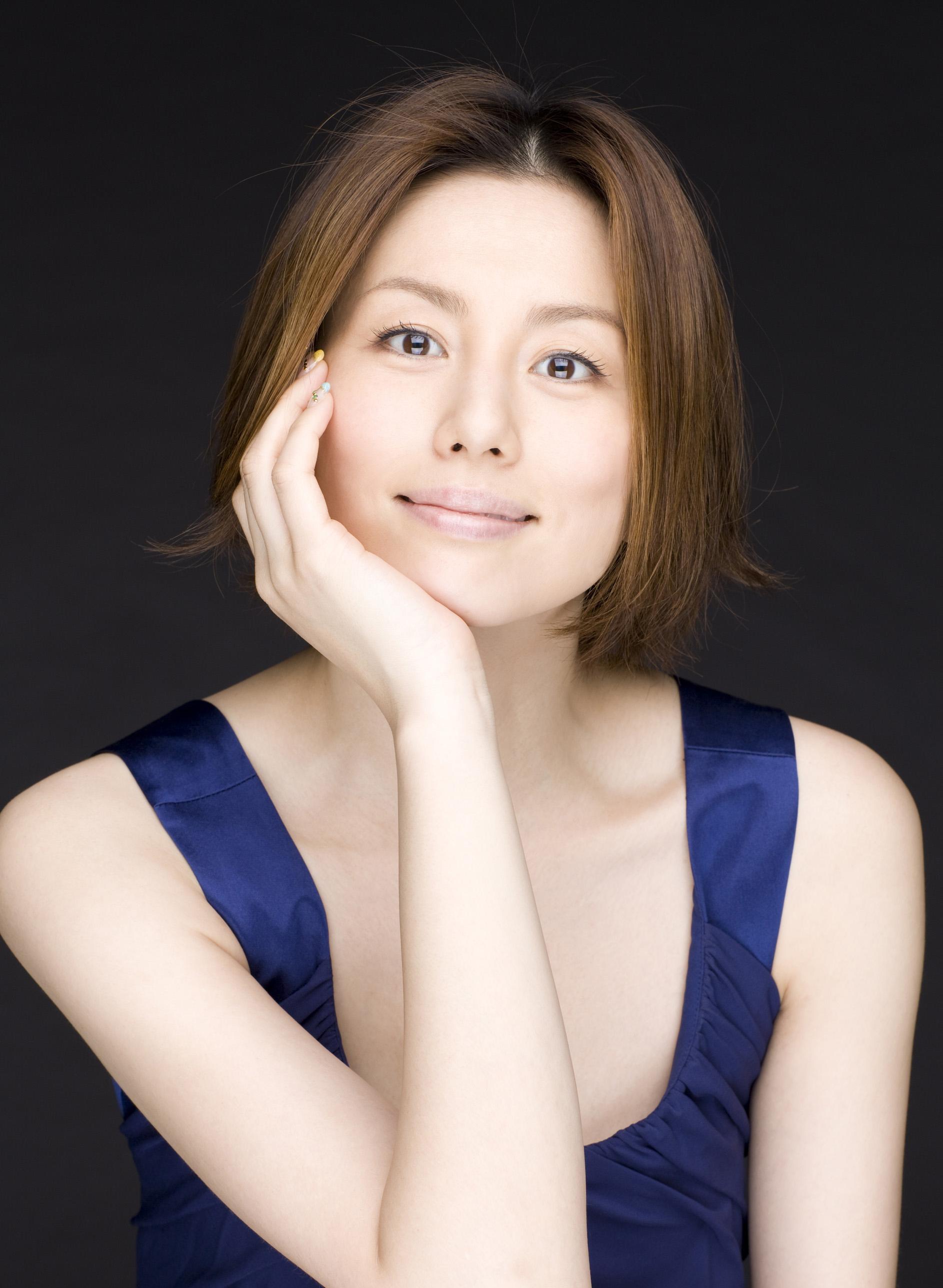 米倉涼子のヘアスタイルがとても素敵!参考にしたい女性芸能人!のサムネイル画像