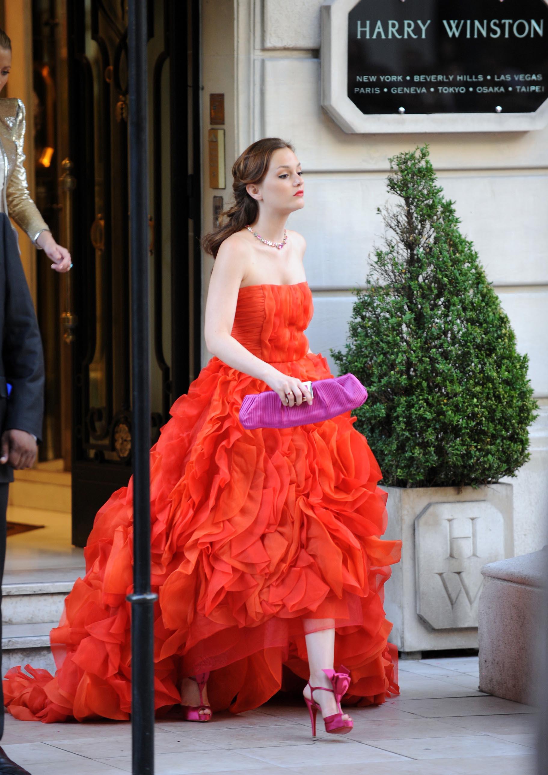 もちろん勝負服は赤のドレス!セクシーでキュートなセレブ達のサムネイル画像