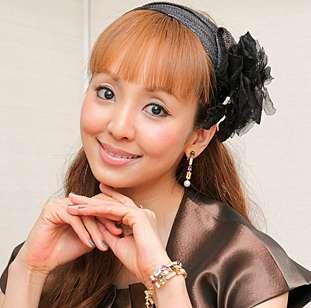 結婚式を彩る☆神田うのがプロデュースしたドレスが可愛すぎる!のサムネイル画像