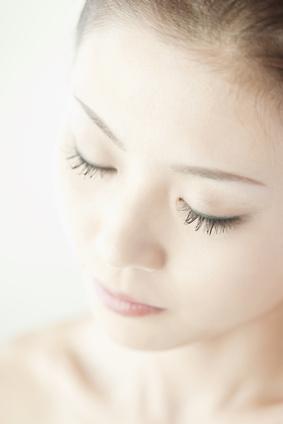 シミ・ソバカスに効くうわさの美白化粧水をまとめてみました。のサムネイル画像