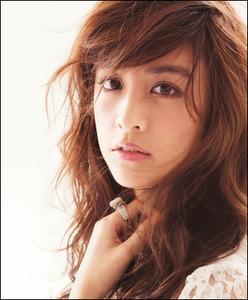 ファッションモデルだけあってスタイル抜群な山本美月さんの画像をまとめたよ!!のサムネイル画像