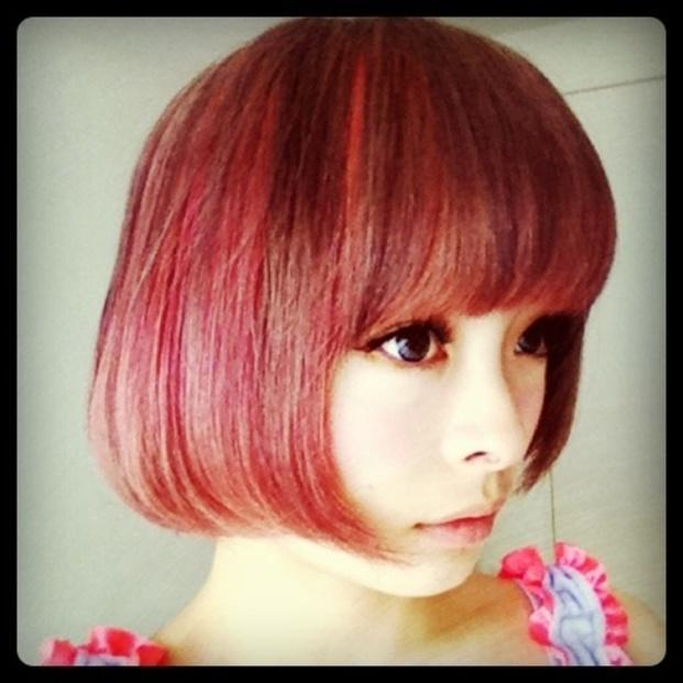 人気赤系ヘアカラーと髪型調べ【個性的でカワイイ赤系ヘアカラー】のサムネイル画像