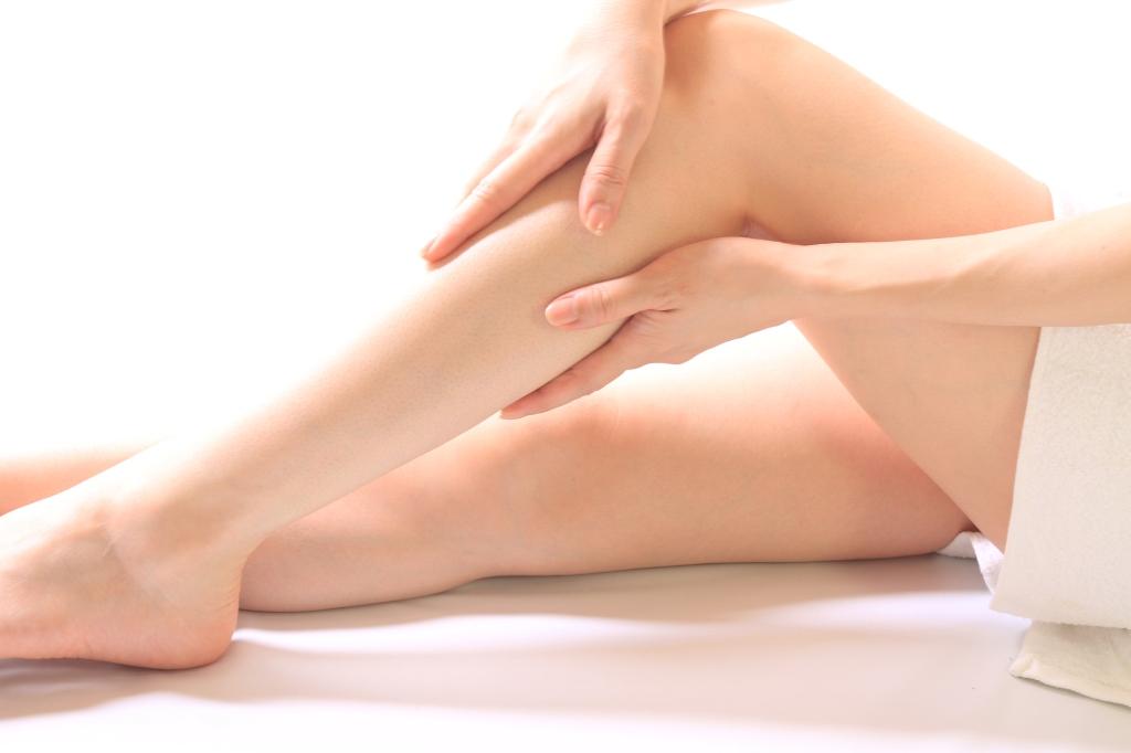 女性必見!!浮腫みがちの足のマッサージまとめてみました!のサムネイル画像