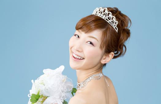 【花嫁必見】誰より可愛い花嫁になるためのブライダルヘアスタイルのサムネイル画像