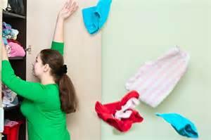 ゴミとして処分するだけじゃない!服と気持ちよくお別れする方法のサムネイル画像