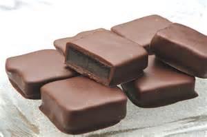 「チョコを食べるとニキビができる」という都市伝説は本当?ウソ?のサムネイル画像