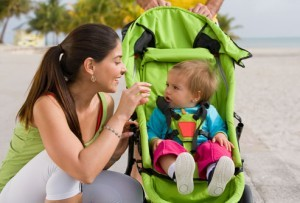 赤ちゃんご機嫌でママもニッコリ!ベビーカーに敷く保冷シートのサムネイル画像