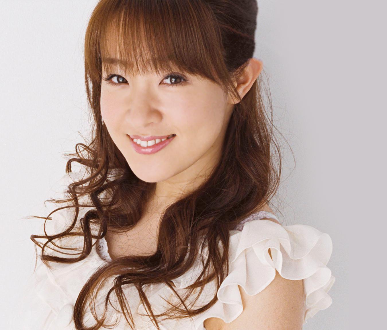 【必見】笑顔が可愛すぎる!大沢あかねの水着画像を集めました!のサムネイル画像