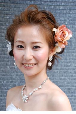 結婚式の参考に!【花嫁】衣装別ウエディングヘアスタイル画像集!のサムネイル画像