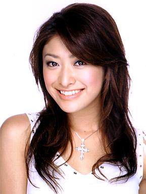 娘よりもカリスマ?山田優の母が現役モデルで超有名人らしい!のサムネイル画像