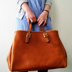 皮バッグも日本ブランドが安心でおしゃれ!人気ブランドはコレ!のサムネイル画像