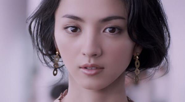 Folder5のHIKARI(満島ひかり)が、ファン待望のライブ出演決定!のサムネイル画像