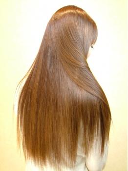 誰でも簡単すぐできる!髪の毛がサラサラストレートになる方法4つ!のサムネイル画像