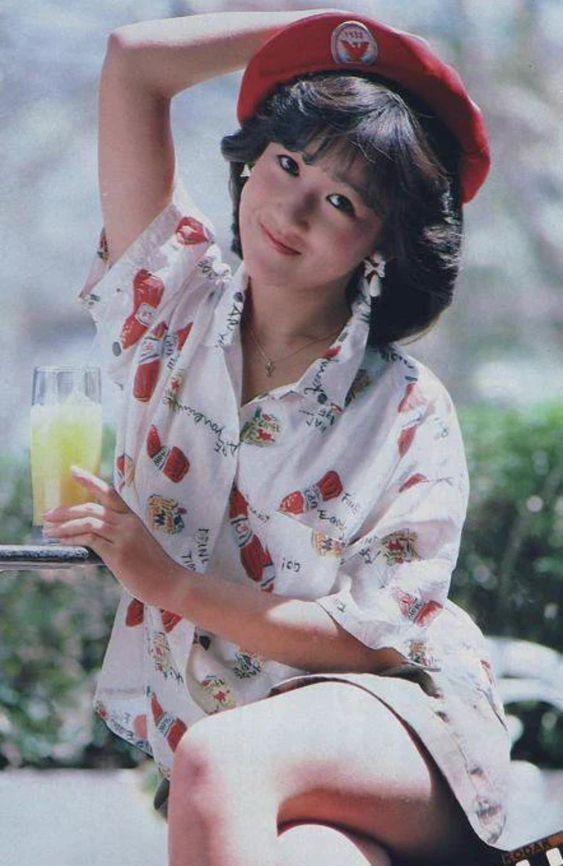 【閲覧注意】【まとめ】昭和のアイドル・岡田有希子さん幽霊騒動話のサムネイル画像