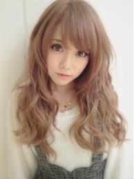 【ミルクティーの髪色はスウィートでキュート!】人気の髪型10選!のサムネイル画像